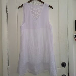 Dresses & Skirts - Chiffon white crisscross dress